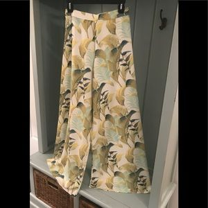 Tommy Bahama flair leg pants